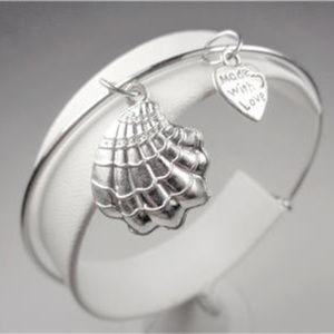 Jewelry - NAUTICAL SILVER TONE SEA SHELL AND HEART BRACELET